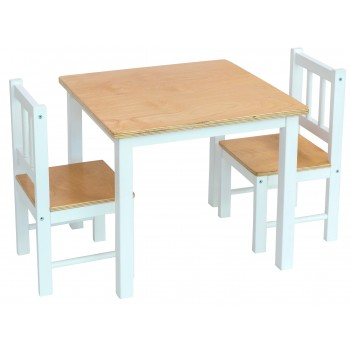 Table et deux chaises assorties en bois